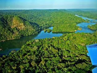 Os assentamentos crescem e a malária avança na Amazônia