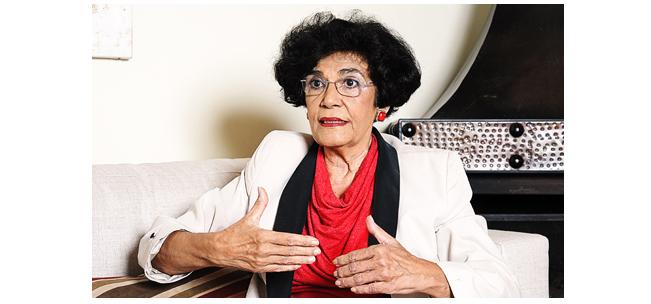 Marilena Chauí: Filosofia e legalidade democrática