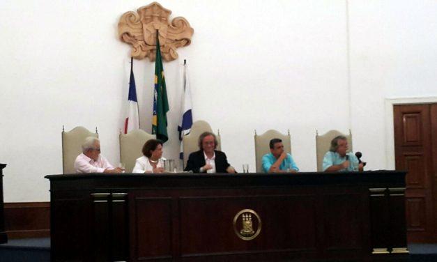 A UFBA debate múltiplas visões e se une em torno do não ao golpe contra a democracia