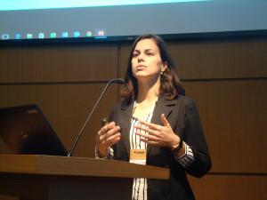 Lilian Cherubin Correia, da equipe vencedora, durante a defesa pública do projeto