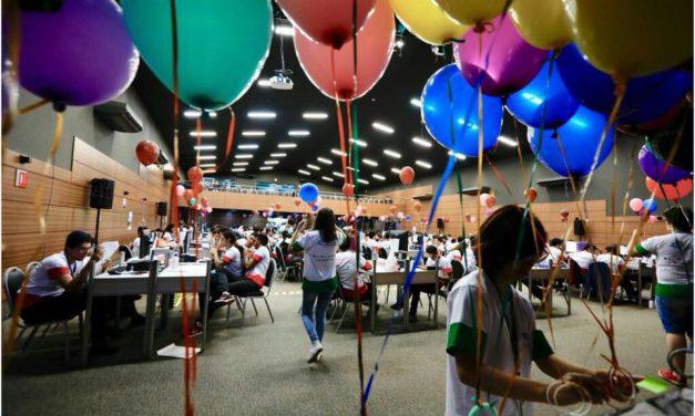 Feras da programação entre balões e cálculos