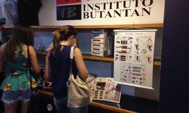 Guias e catálogos para levar os animais do Butantan para casa