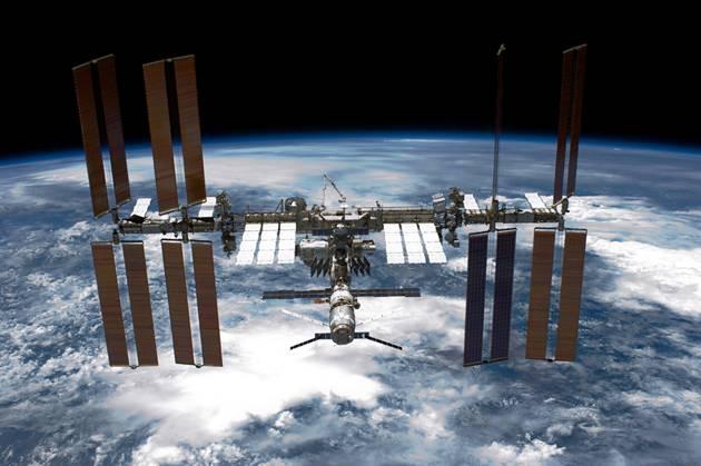 Adolescentes mandam experimento para o espaço