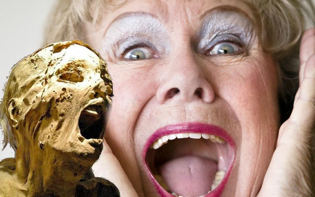 D. Claudine de boca aberta: descobriram o segredo da múmia que grita