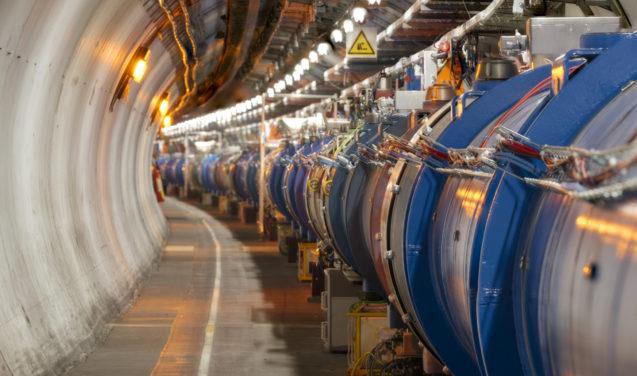 Quem quer fazer uma experiência no Grande Acelerador de Partículas?
