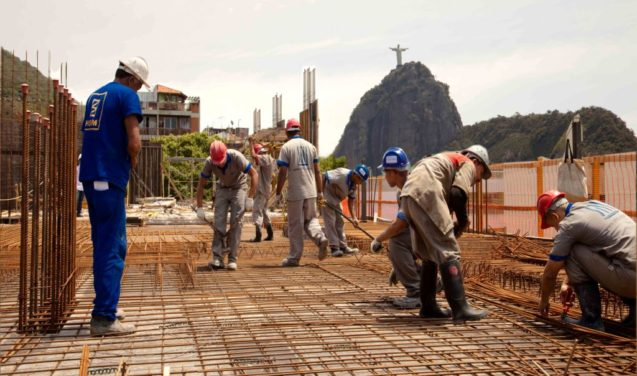 Três décadas de insistência e os empresários empurraram a reforma trabalhista