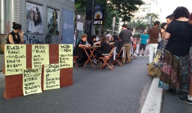 Pergunte a um(a) cientista, porque lugar de ciência é na rua