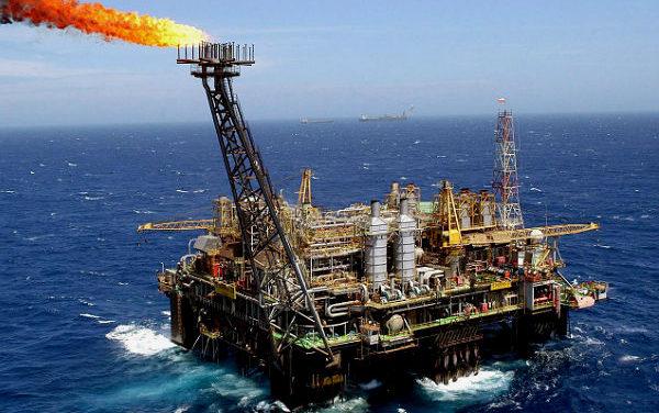 Paralisação de caminhoneiros expõe erros da política de preços da Petrobras, afirmam economistas