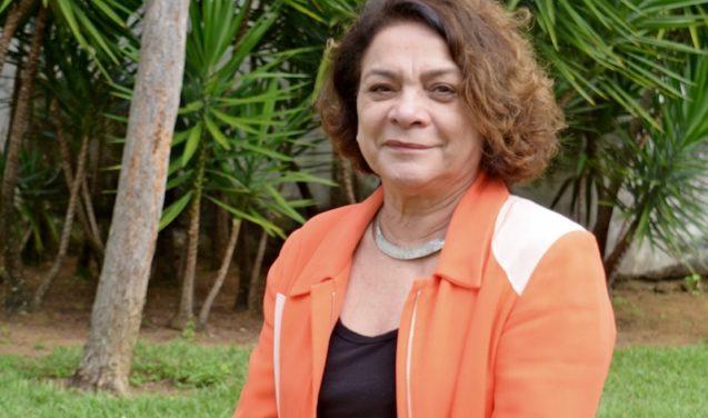 """""""Quero contribuir para as vocações científicas"""" – entrevista com Mariluce Moura"""
