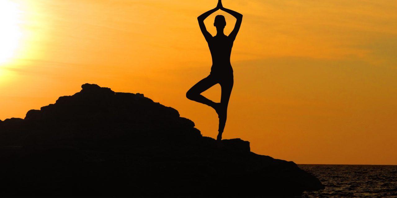 Respirar pelo nariz na yoga pode desacelerar as ondas cerebrais
