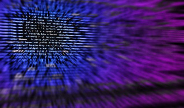 Para além das máquinas de adorável graça –livro explora relações entre cultura hacker e democracia